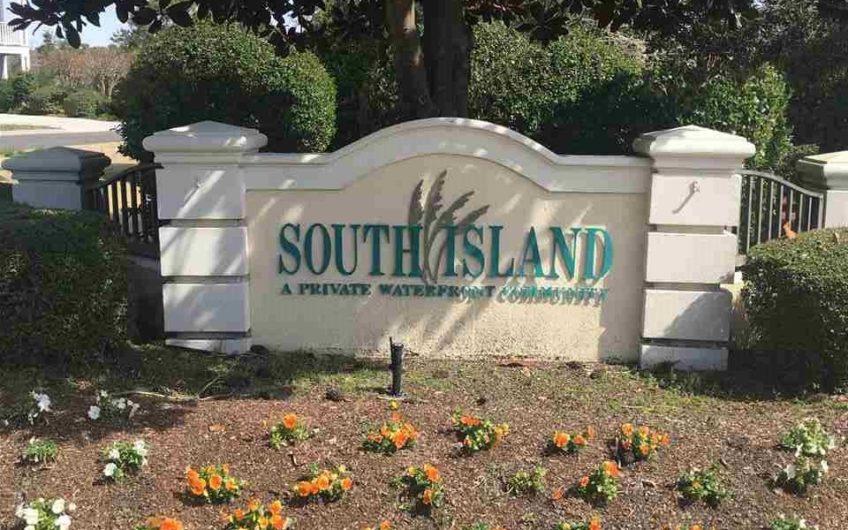 4617 South Island Loop